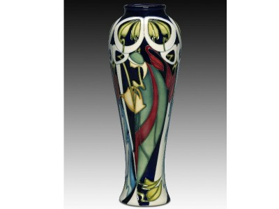 Moorcroft Pottery The Fair Lady 121/10